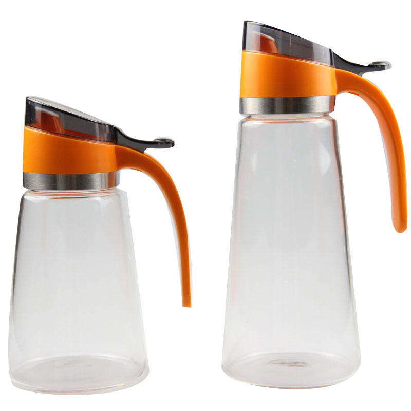 different size water carafe